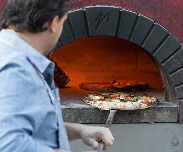 wood-fired mobile oven